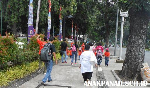 Medan Merdeka Barat - Jalan santai ke Monas