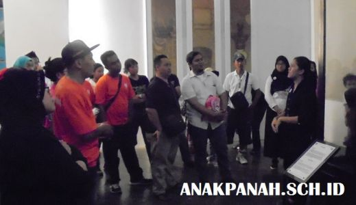 Museum Nasional - Tour Guide Kelompok Dewasa3