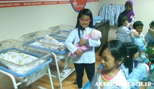 Belajar menjadi dokter cilik di RS Omni Internasional2