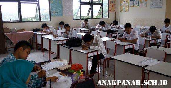 Ujian Nasional Siswa AP Grade 12 (SMA).1